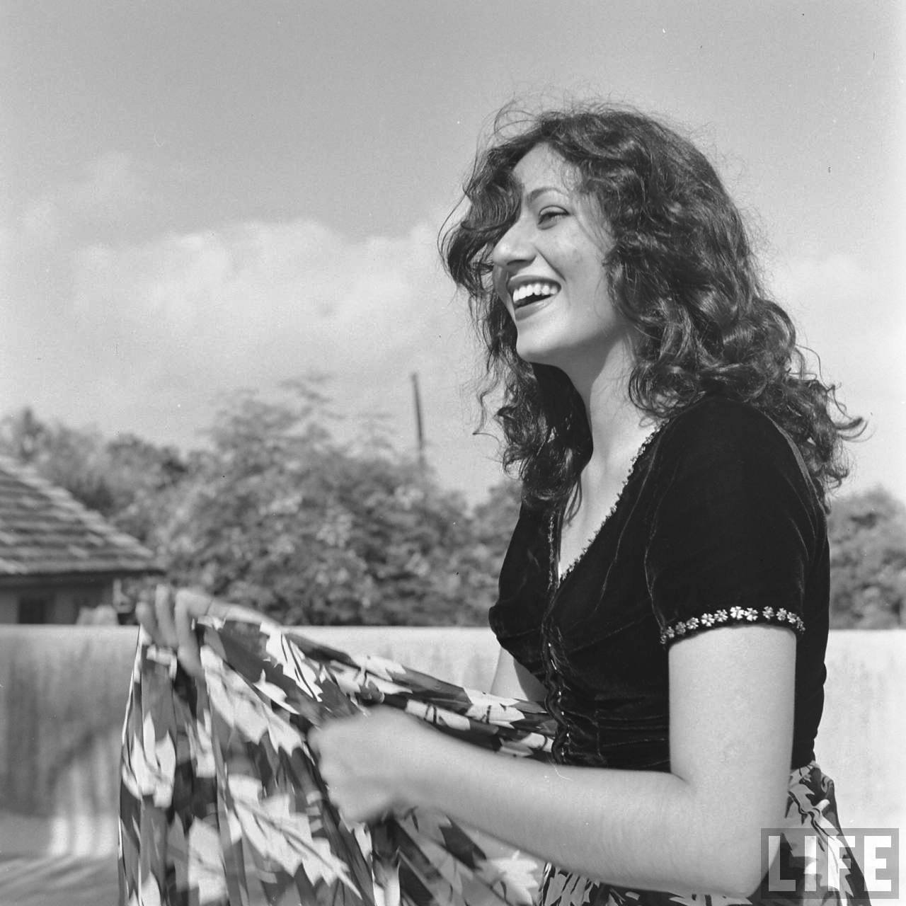 Actress Actress Madhubala Hot