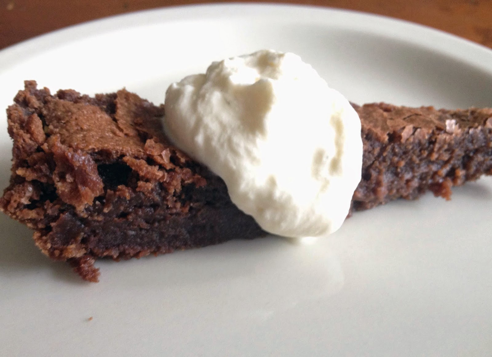 Almost-Flourless Chocolate Cake Recipe | mostly foodstuffs