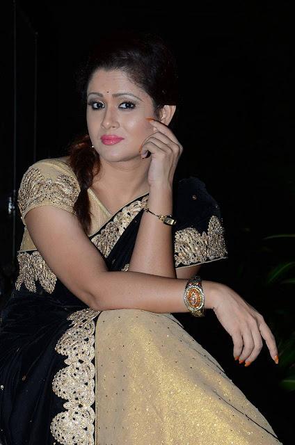 Anchor Shilpa Chakravarthy Stills At Jilla Audio Launch