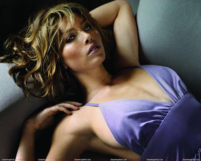 actress_jessica_biel_hot_wallpapers_in_bikini_fun_hungama-forsweetangels.blogspot.com