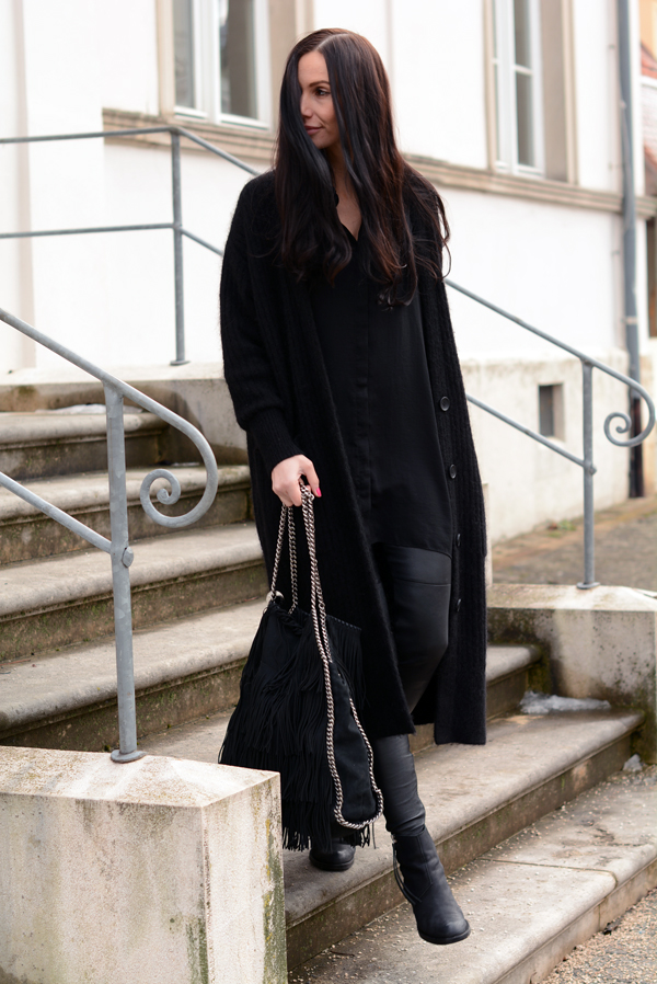 LAMOURDEJULIETTE_WINTER_LEATHER_PANTS_OUTFIT_DEUTSCHER_MODEBLOG_ACNE_BOOTS_002