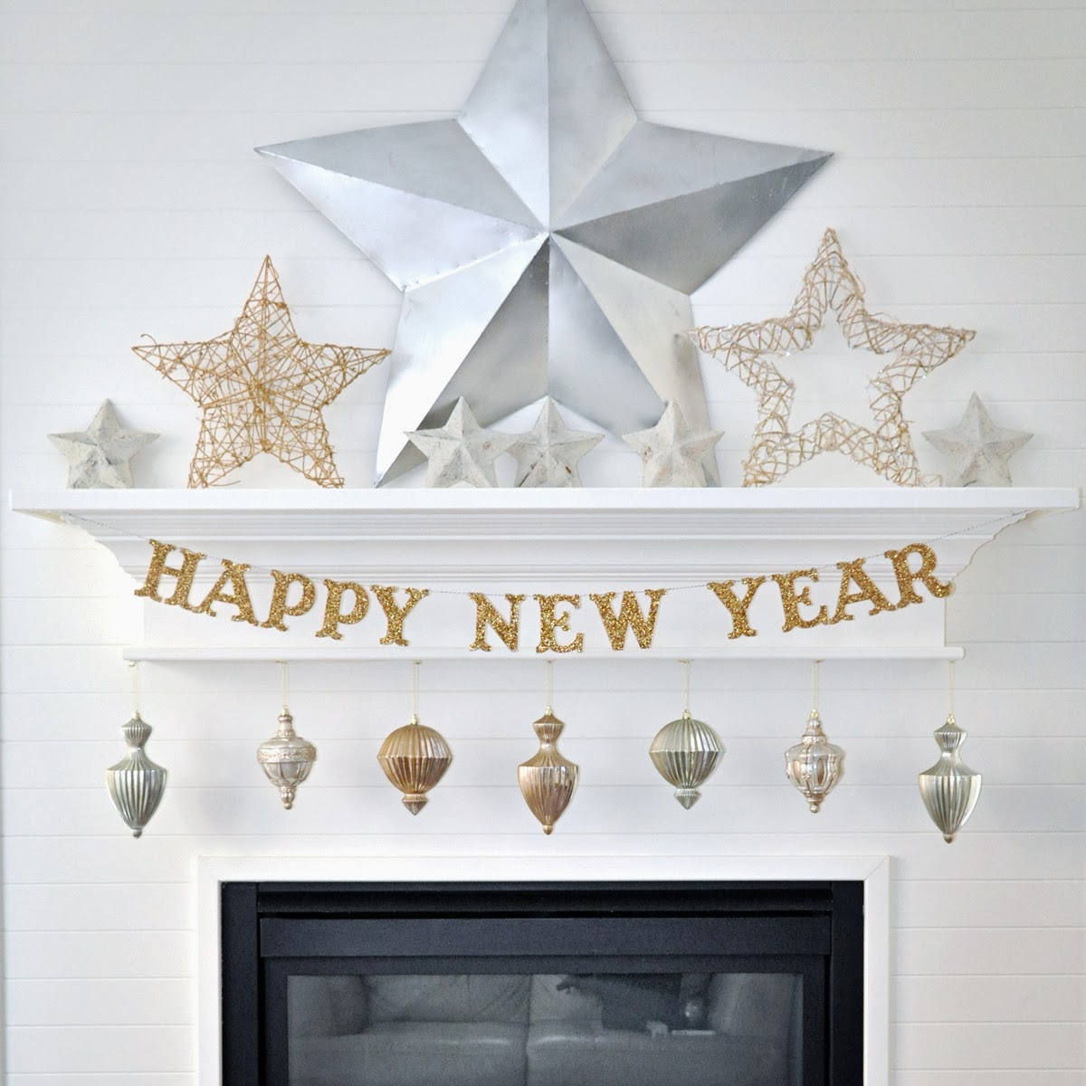 Holly brooke jones diy wooden new years eve banner tutorial for New year home decorations