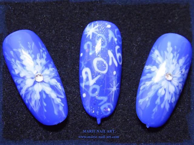 Nail Art Flocons Marbrés pour le Nouvel An1