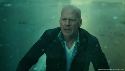 Bruce Willis in A Good Day to Die Hard movie image