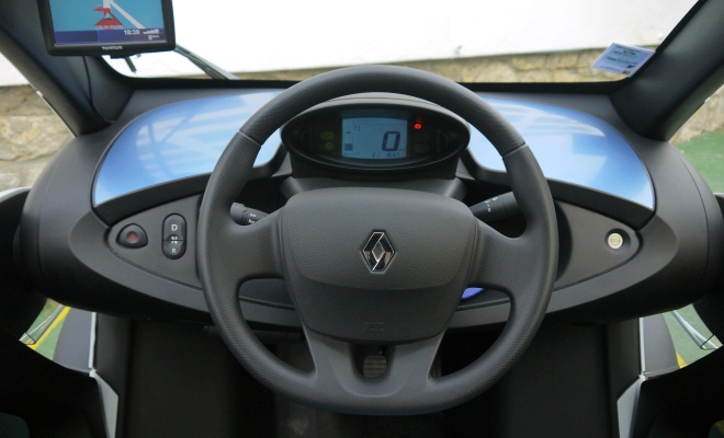 Renault Twizy Colour dashboard, instruments and cockpit