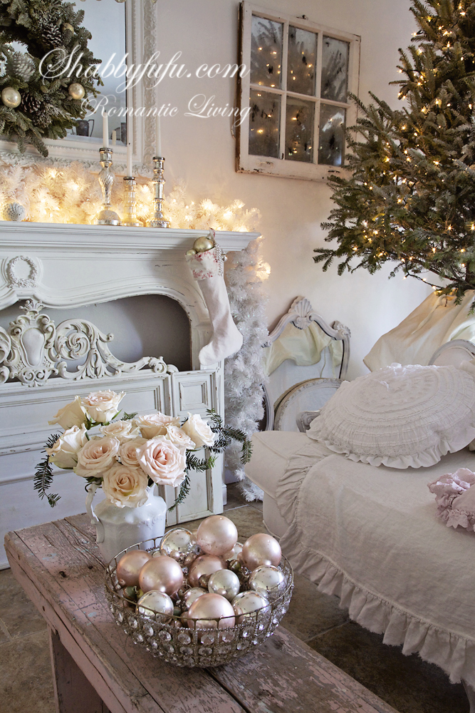 christmas 2013 at shabbyfufu simple shabby chic and. Black Bedroom Furniture Sets. Home Design Ideas