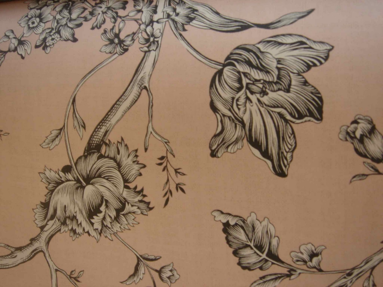 fantastic in a room with this wallpaper crown wallpaper fabrics
