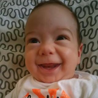 bebe d'amour, amour, sourire