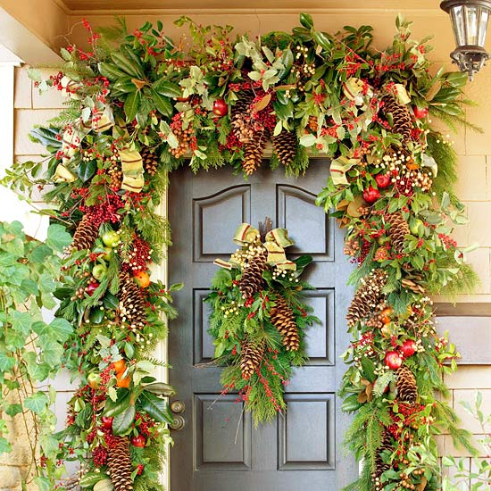 Tarragon thyme crafts for christmas for Door garland christmas