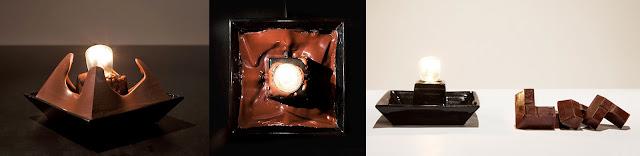 Imágen de la lámpara de chocolate con forma de pirámide sin punta.
