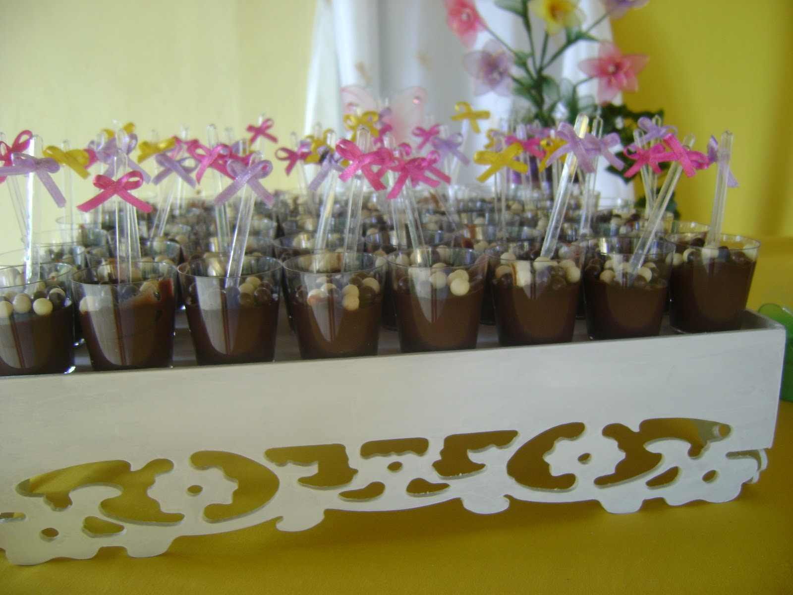 plantas jardim baratas: Festa Festa Infantil Tema Jardim Flores De Bolacha