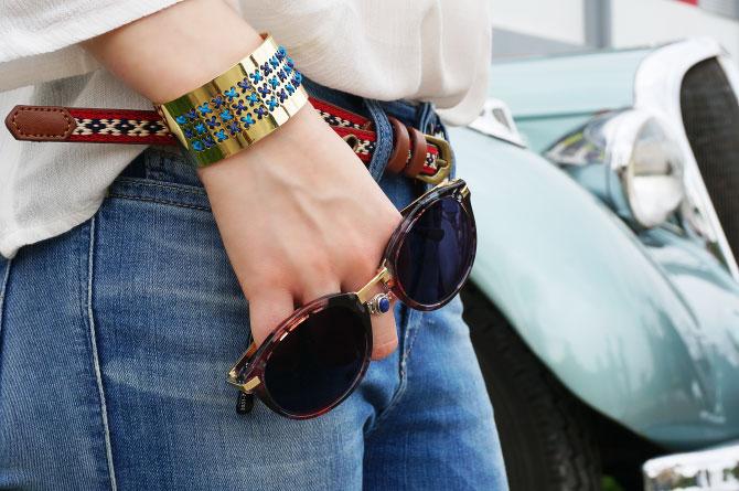 Look mode bohème, lunettes de soleil à fleurs, manchette DIY My Little Box et jean délavé diesel