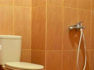 toilet Hotel WIsma Aji Jogja
