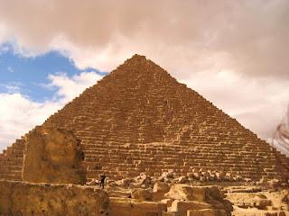 Mısır piramitlerinin en büyüğü Kefren