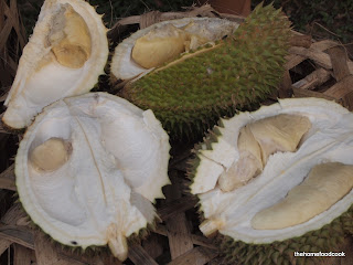 thehomefoodcook - durian - open
