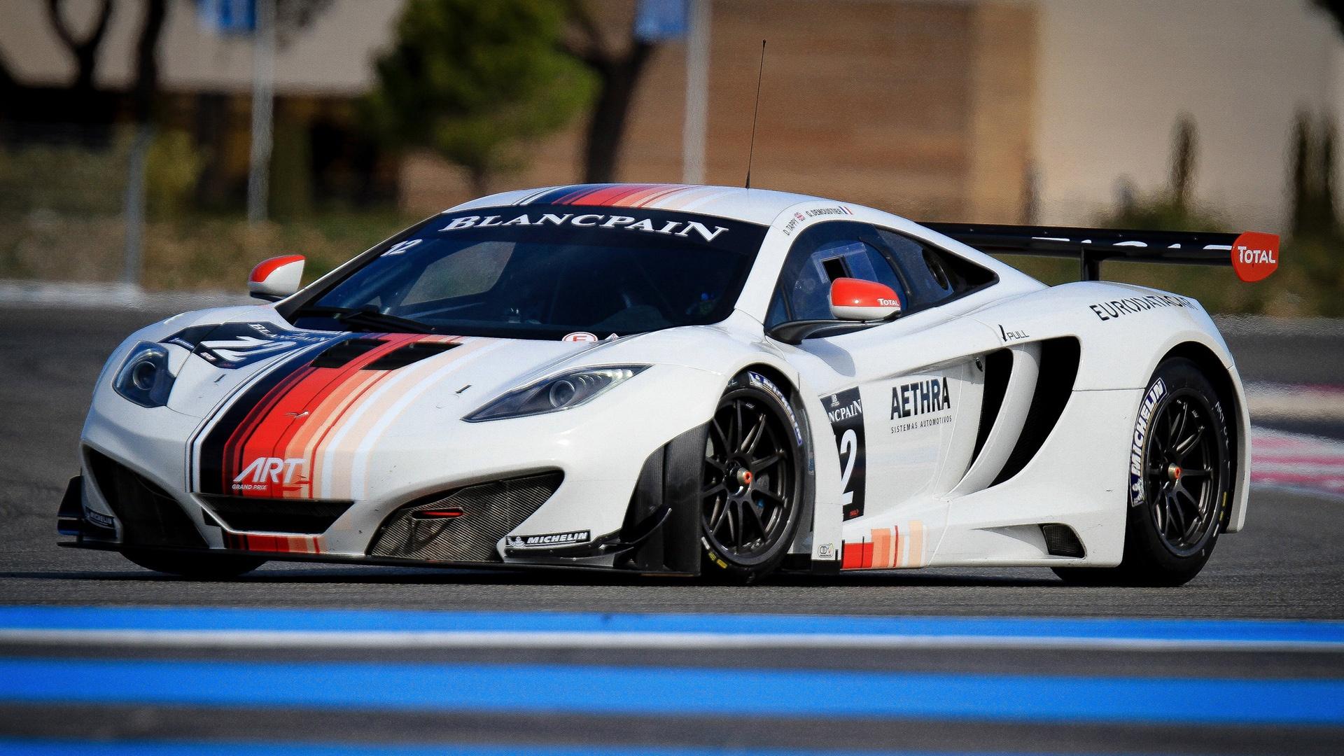 http://4.bp.blogspot.com/-pVUGyK8xfEQ/UNtC05ctiUI/AAAAAAAATPk/IBUGdvwDzgk/s0/White-color-McLaren-MP4-12C-GT3-Supercar-1920x1080.jpg