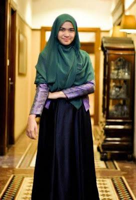 Model Baju muslimah untuk mahasiswa