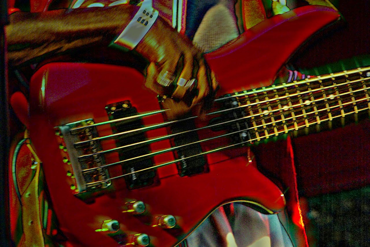 Bass Guitar Sales | BassCentral.com