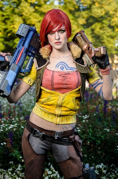 Lilith Borderlands Cosplay by Madam Spontaneous