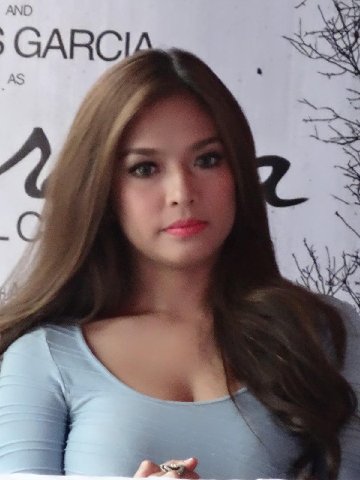 lisa ann sexy position