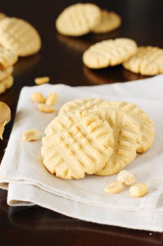 Grandma's Old-Fashioned Peanut Butter Cookies   www.thekitchenismyplayground.com