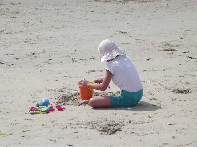 girl Carnac beach