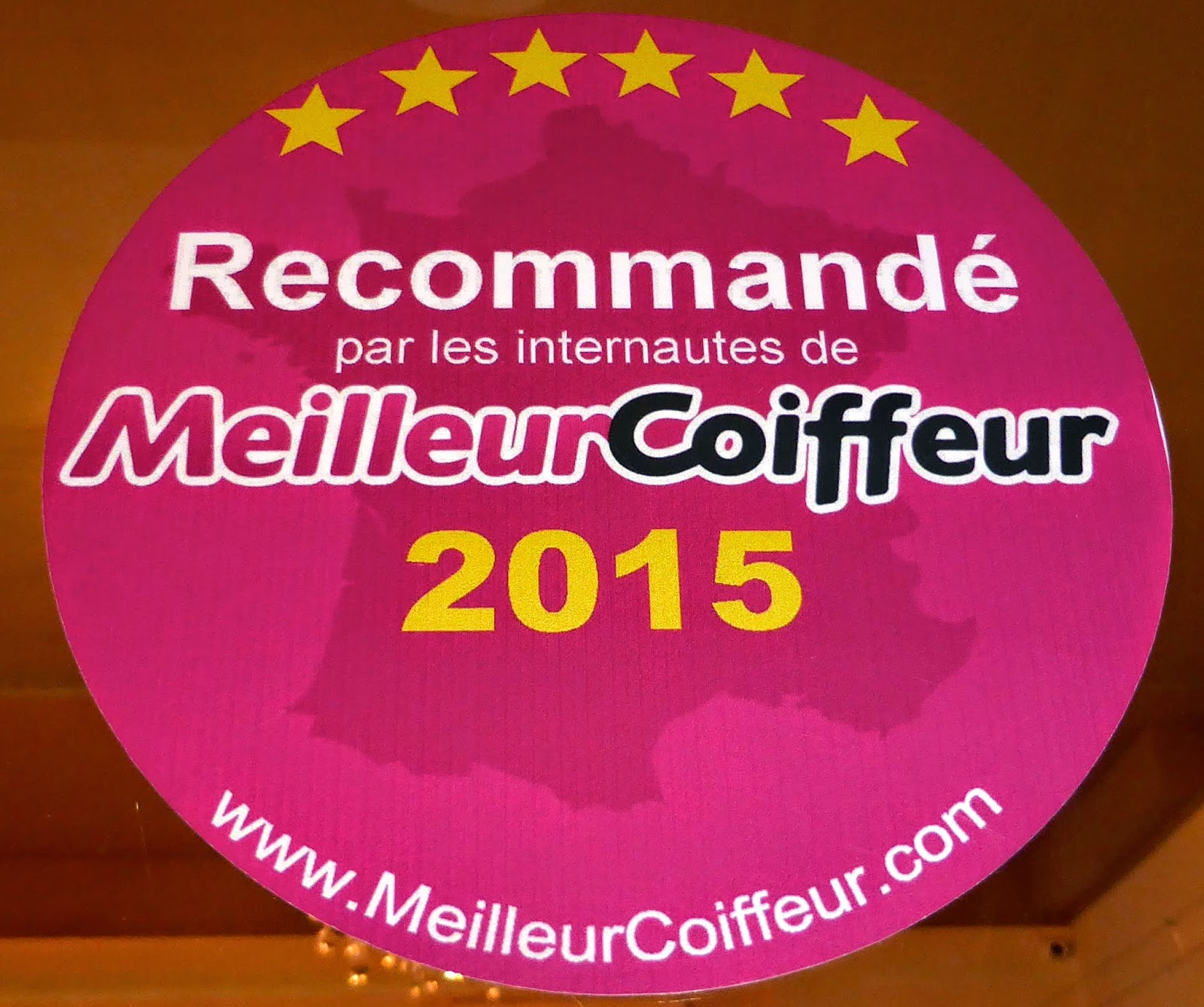 Vitrophanie MeilleurCoiffeur.com au Studio 54, salon de coiffure à Montpellier.