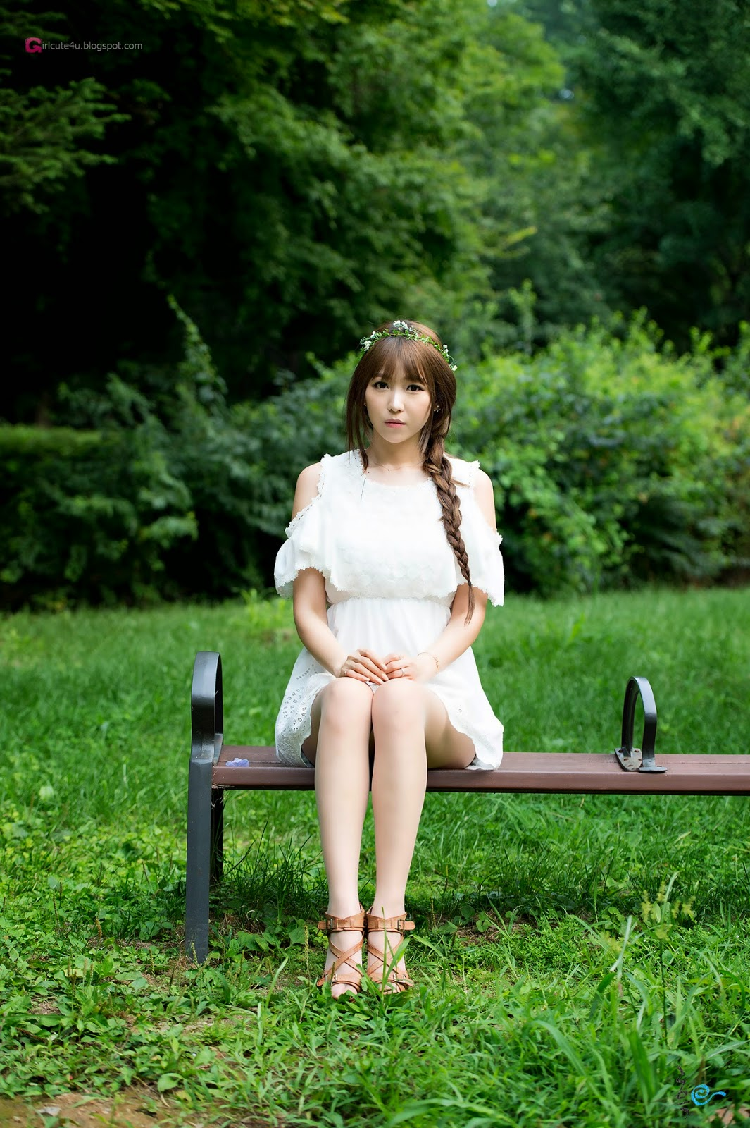 2 Lovely Lee Eun Hye In Outdoor Photo Shoot - very cute asian girl-girlcute4u.blogspot.com