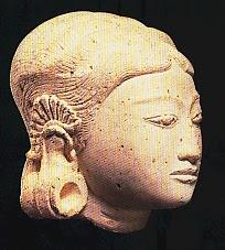 Keramik Indonesia Zaman Kerajaan Hindu dan Budha