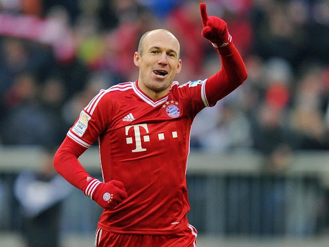 Man United are chasing Arjen Robben