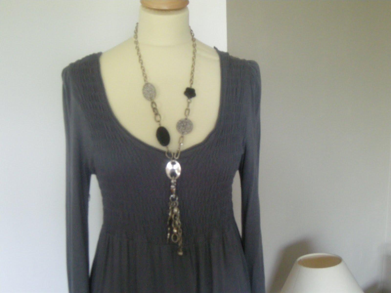 romy dressing soldes 2 petites robes tendances grise ou. Black Bedroom Furniture Sets. Home Design Ideas