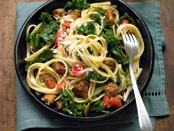 Linguine with Braised Kale, Garlic, and Turkey Sausage -> Recipe In Article