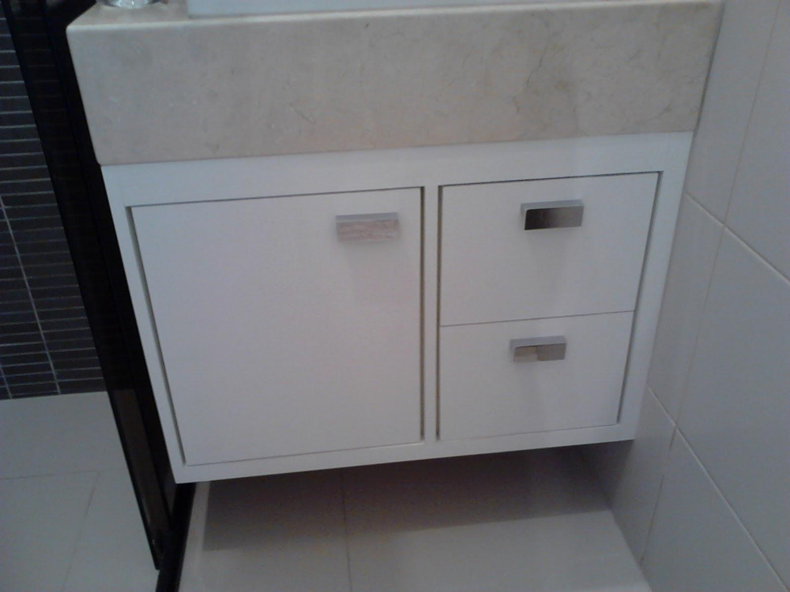 Marcenaria MBR Móveis Armário de banheiro, acabamento em melamina branca tex -> Armario De Banheiro Marcenaria