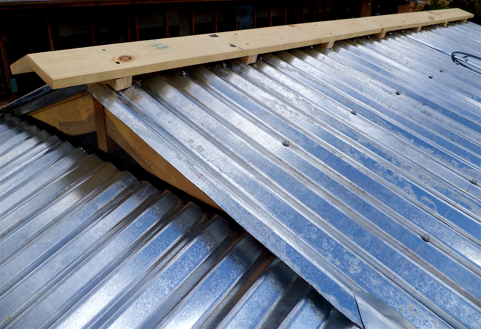 Corrugated Roof Cap Amp Metal Roofing Ridge Cap Roll Forming