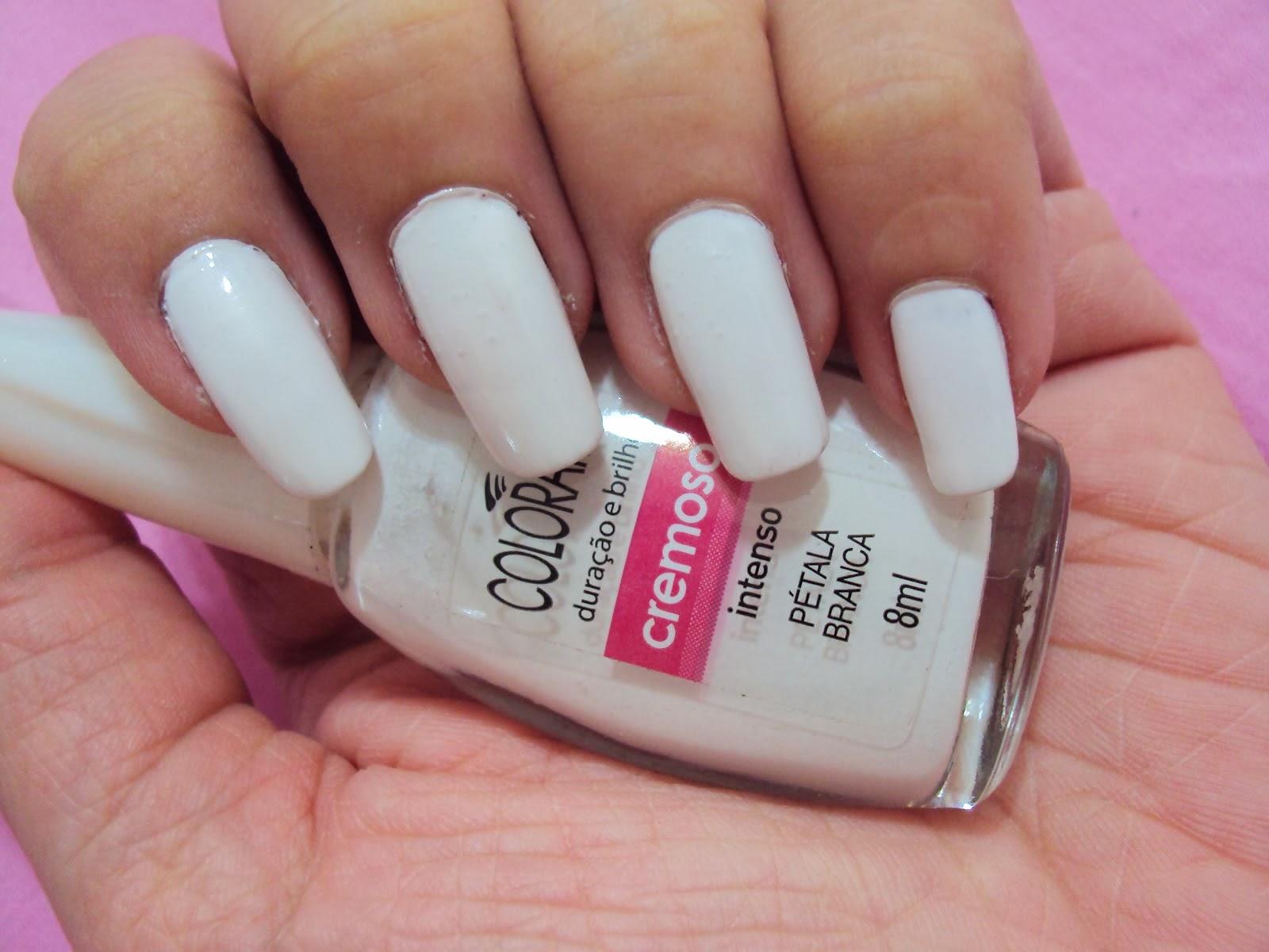 Esmalte Branco: esmalte branco corretivo e esmalte branco fosco