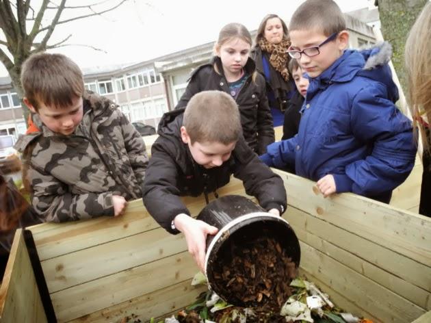 Emeraude cr ation compost l 39 agenda 21 de dinan for Materiel cantine collective