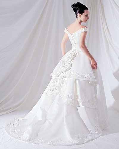 Hunting for cheap wedding gowns locally made for Cheap but beautiful wedding dresses