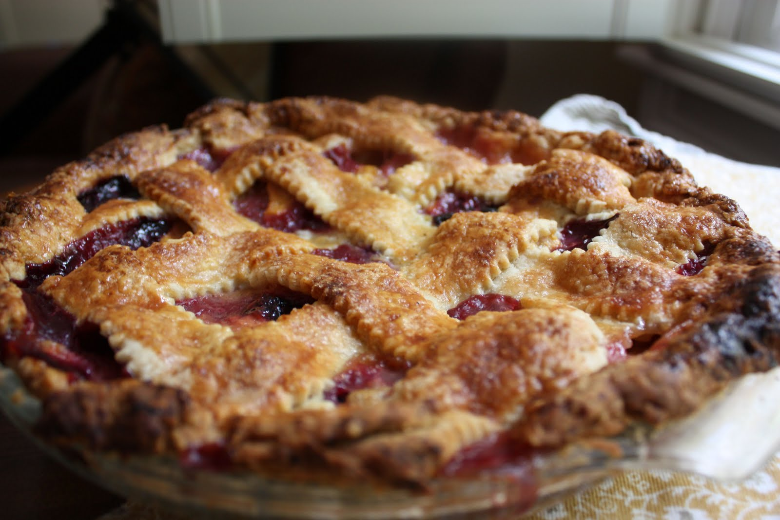 soulful college girl.: Peach and Blueberry Lattice Pie
