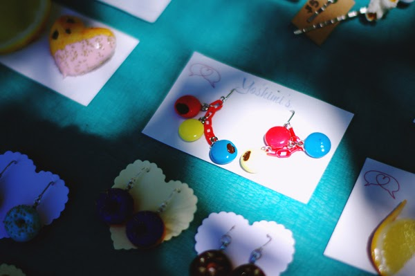 elashock, fashion, fashion blogger, blogger, personal style, fruits, sweets, cupcakes, donuts, accessories, jewellery, yoshimi, yoshimi's, newtown, markets, handmade, craft, polymer clay, clay, japanese, english, australia, sydney, newtown markets, マーケット, フルーツ, おやつ, お菓子, 日本語, 英語, オーストラリア, シドニー, ニュウタウン, よしみ, アクセサリー, アクセ, 手作り, エラショック, ファッション, ファッションブログ, ファッションブロガー