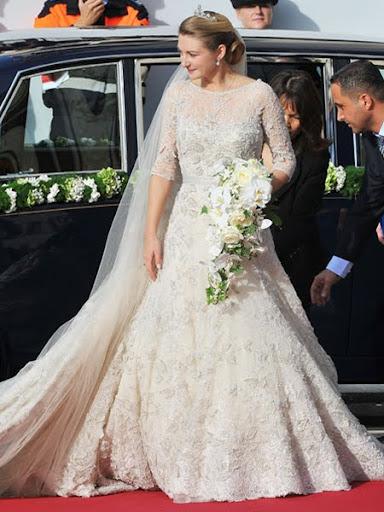 Сватбената рокля на графиня Стефани