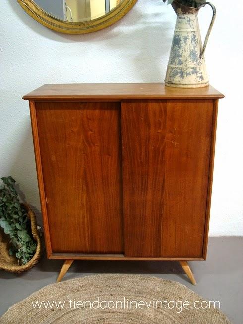 Aparadores daneses. muebles estilo danes en valencia. tienda de decoración vintage y muebles vintage