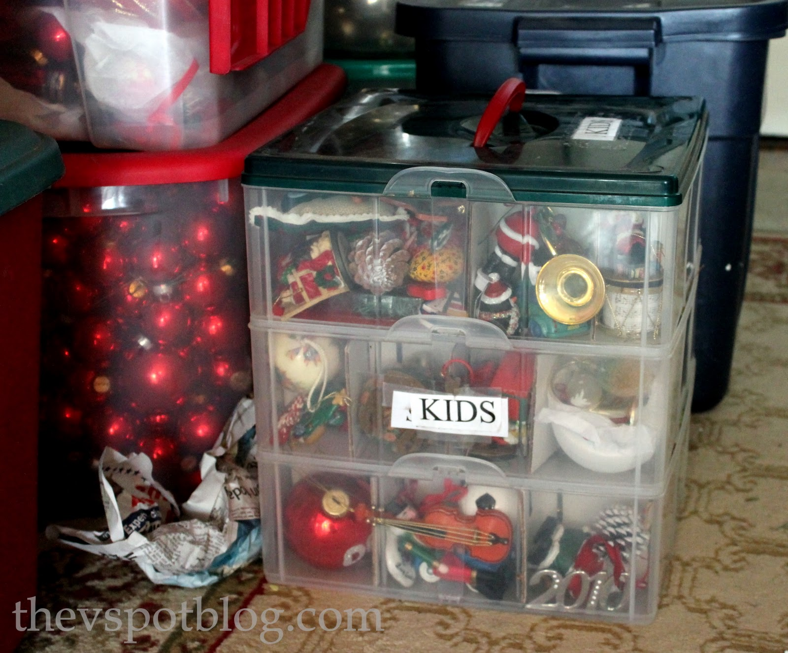 easy ways to organize your christmas decor and be ready for next year the v spot - How To Organize Christmas Decorations