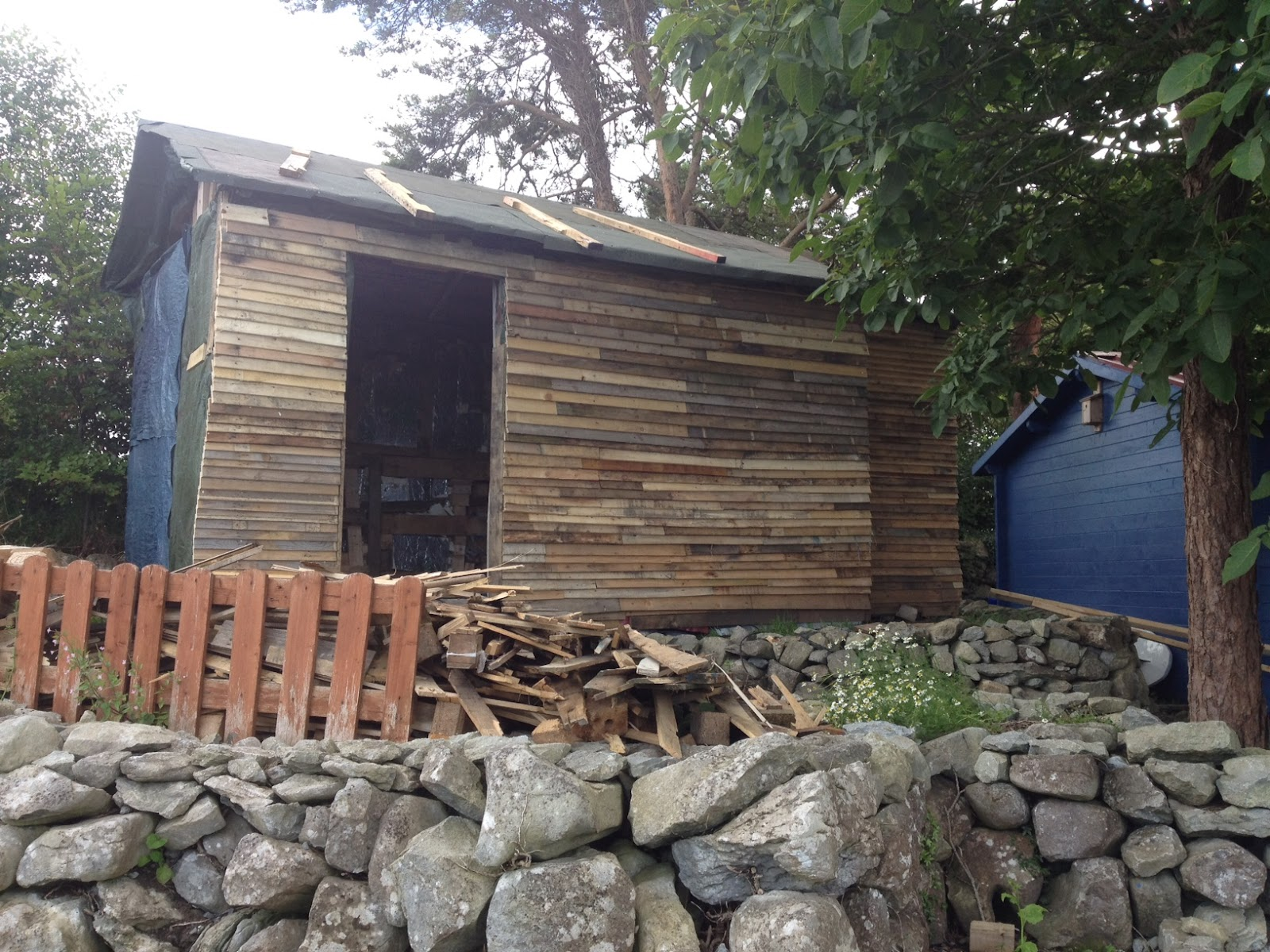 Sheds+Made+Out+of+Pallets Building a shed out of pallets | Asplan