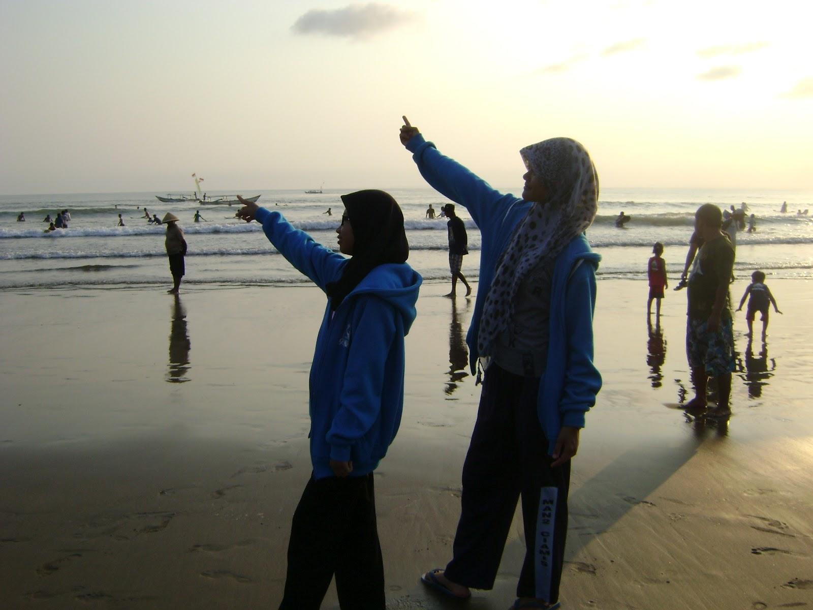 """Galeri foto """" inkor in pangandaran beach"""""""