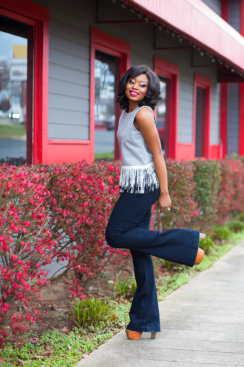 fringe top and flare jeans, jessica simpson platform www.jadore-fashion.com
