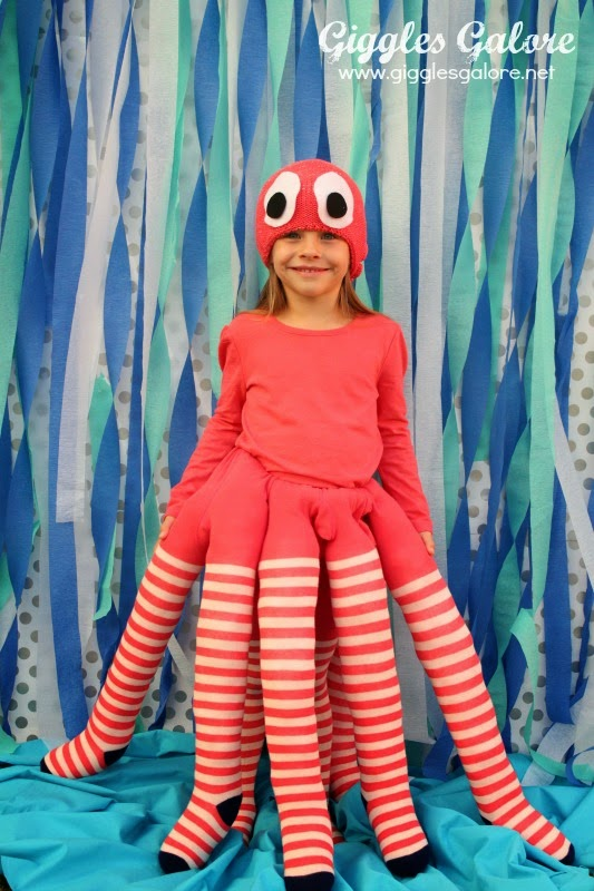 http://gigglesgalore.net/diy-octopus-costume/