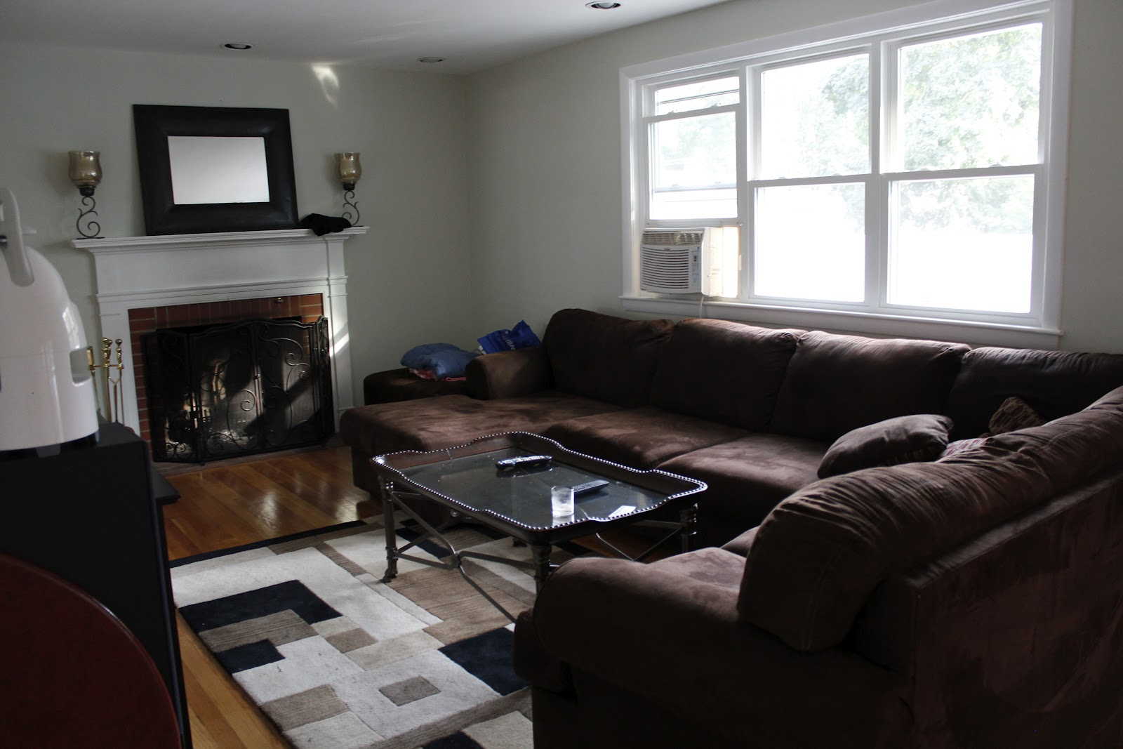 Http Ouryellowlovenest Blogspot Com 2012 09 My Brother In Laws Living Room Redo Html