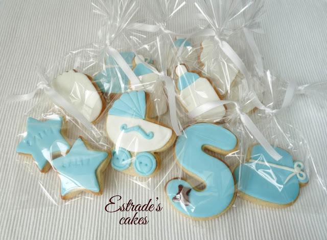 galletas de bebe en azul, hechas con fondant 3