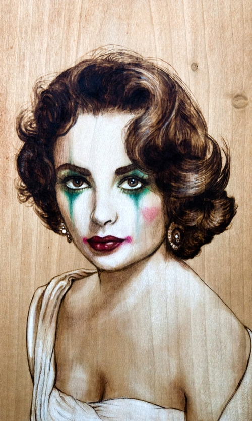 07-Elizabeth-Taylor-Fay-Helfer-Pyrography-Game-of-Thrones-and-other-Paintings-www-designstack-co