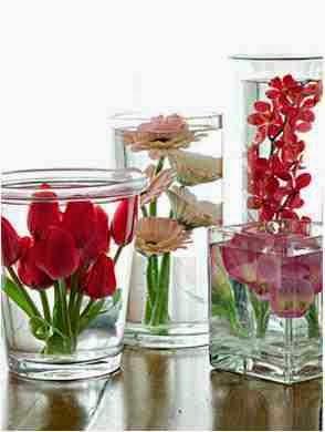 Inspiracje Slubno Weselne Kwiaty Zatopione W Wodzie Jako Dekoracja Stolu Weselnego